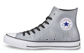 Converse All Star Chuck Taylor Tiger, die Animal metallic Print von Converse Japan