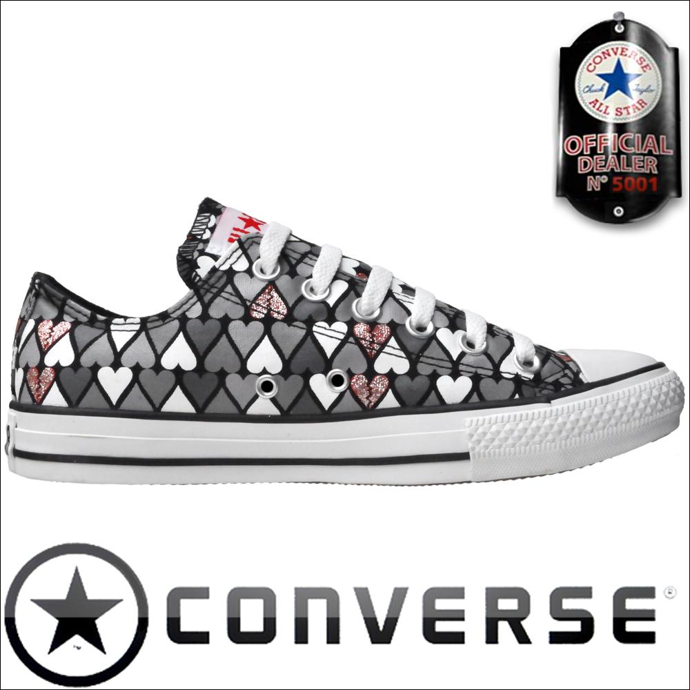 converse schuhe all star chucks converse chucks mit roten. Black Bedroom Furniture Sets. Home Design Ideas