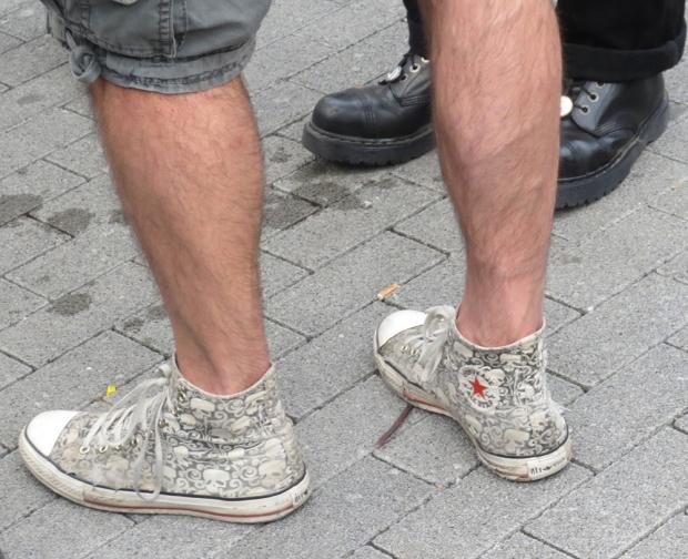 Mein Style: Jürgen rockt mit Skull Converse Chucks
