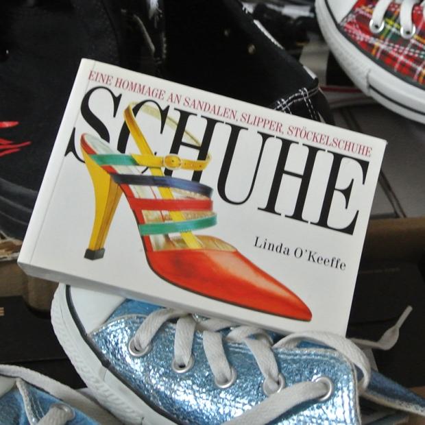 "Bücher: Linda O'Keeffe - Schuhe Seite 332 ""#Converse Chucks"""