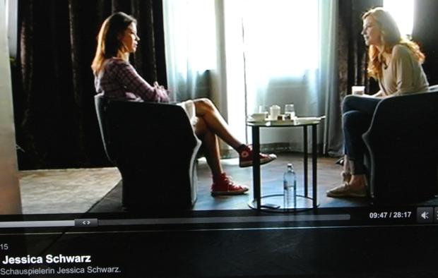 Jessika Schwarz trägt Converse Chucks bei Kathrin Bauerfeind