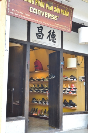 Converse Shop in Vietnam